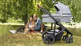 Cochecito con ruedas hinchables, para un mayor confort durante el paseo